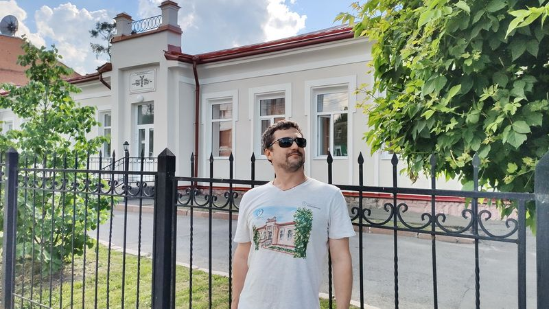 Печать на футболках отрисованных зданий - НаПодарки.ру