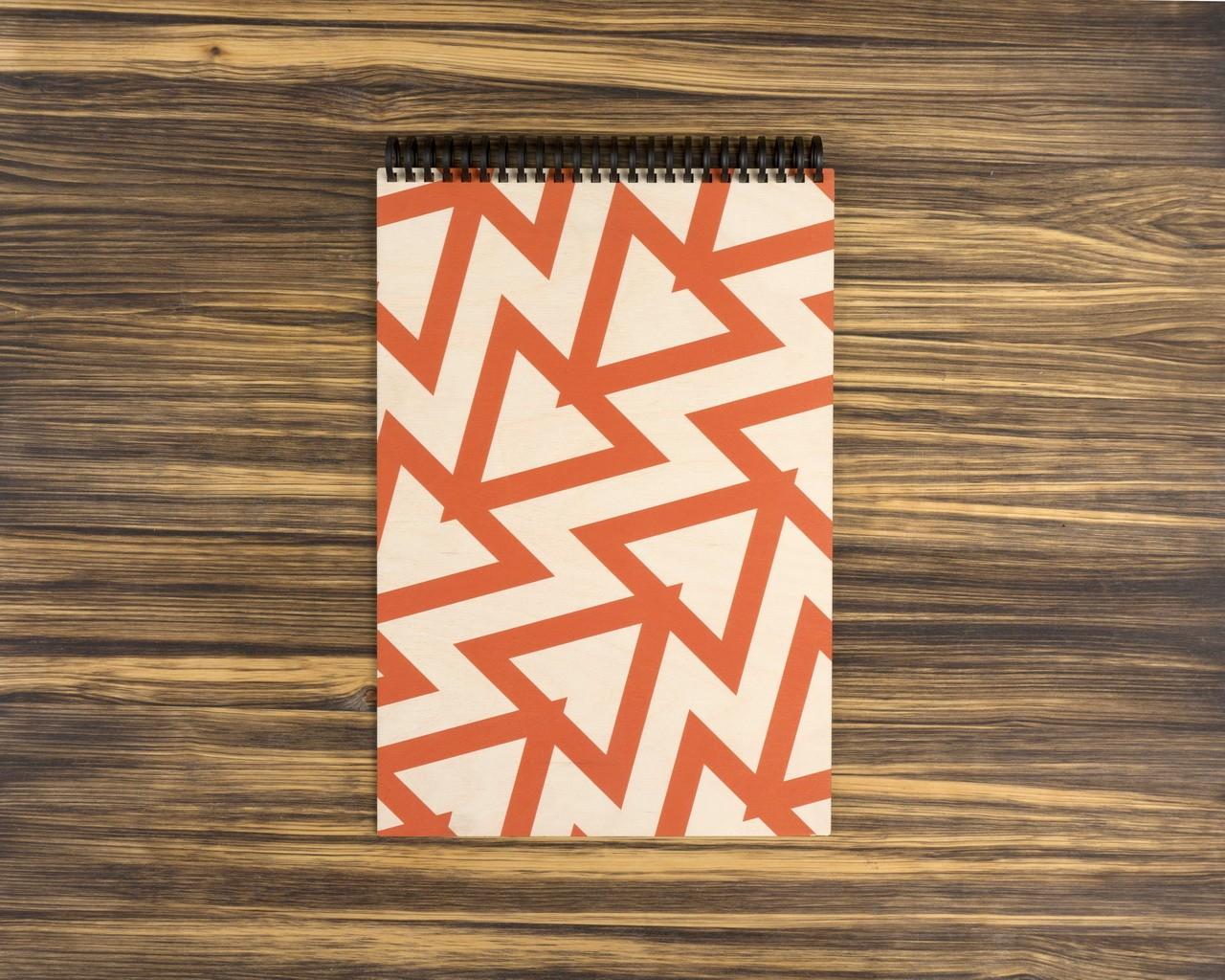 """Деревянный скетчбук для маркеров """"Красные треугольники"""" 30х20 см"""
