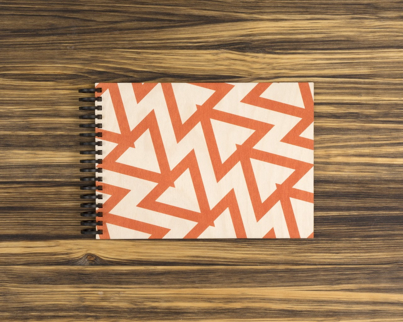 """Деревянный скетчбук для маркеров """"Красные треугольники"""" 20х15 см"""
