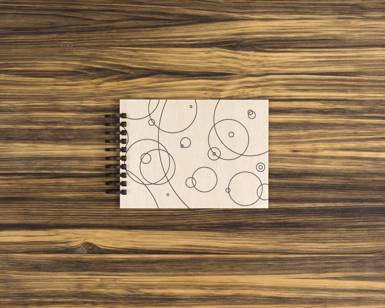 """Деревянный скетчбук для маркеров """"Круги"""" 15х10 см"""