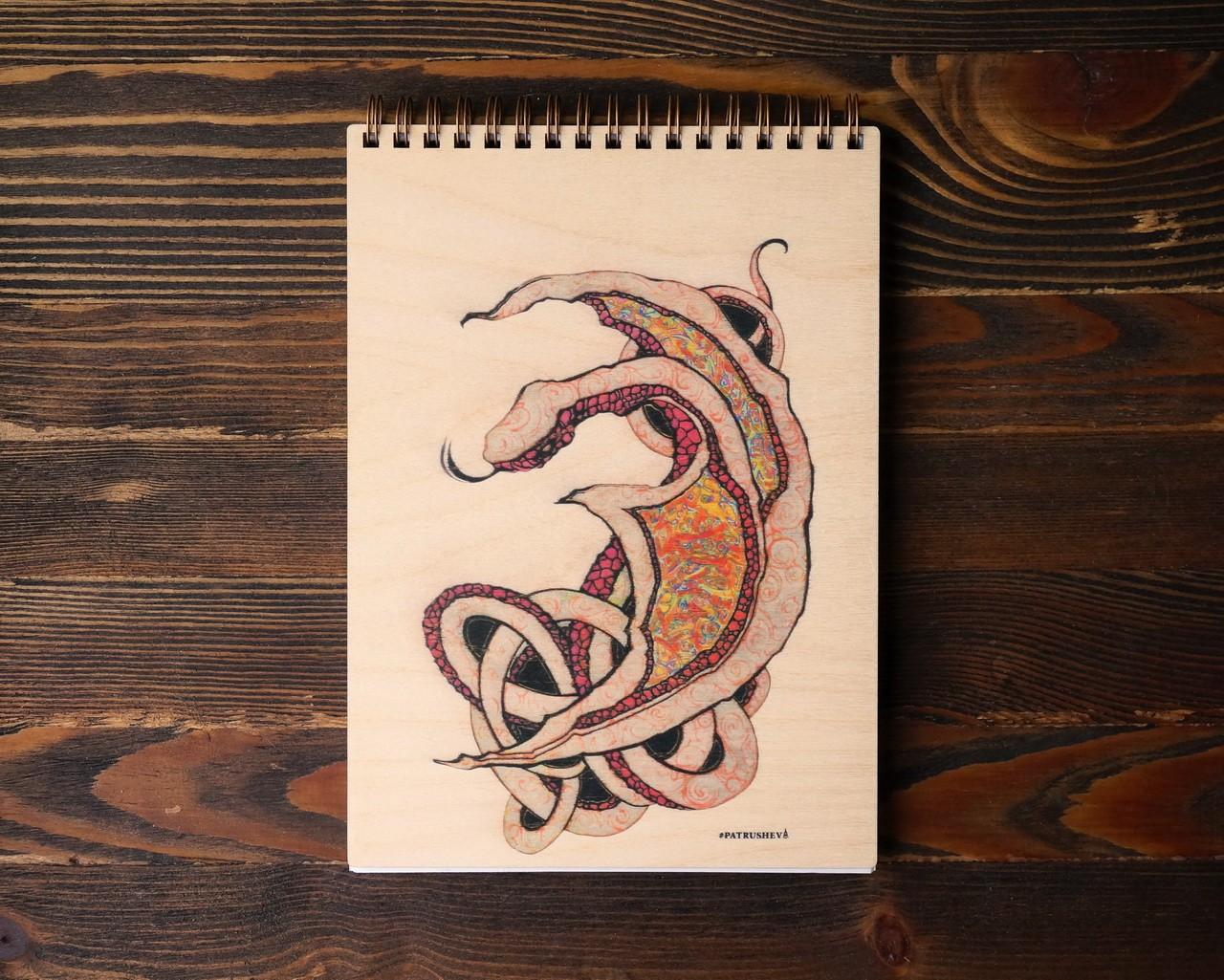 """Деревянный блокнот А5 """"Красный дракон"""""""